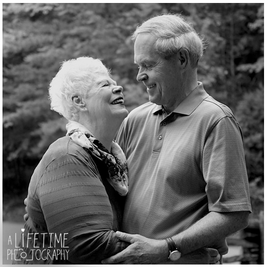 50th-Anniversary-Family-Reunion-in-Cades-Cove-Townsend-Gatlinburg-Pigeon Forge-Sevierville-Knoxville-TN-Photographer-kids-2