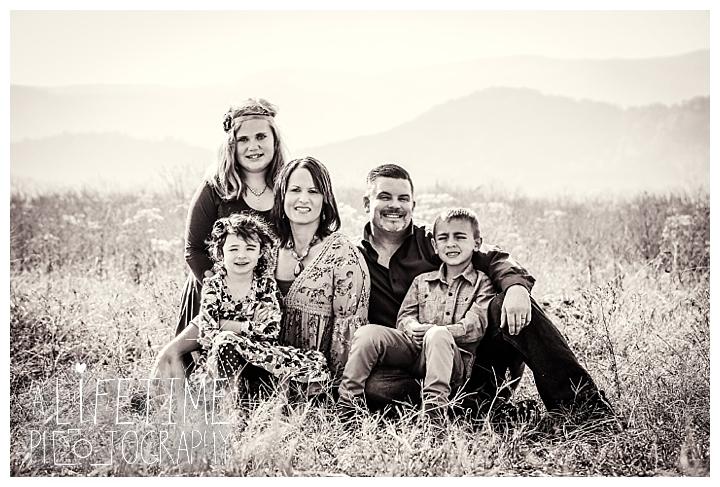 70-anniversary-family-photographer-buckhorn-inn-bebb-house-knoxville-sevierville-pigeon-forge-dandridge-gatlinburg-seymour-smoky-mountains-seymour_0032
