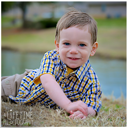Alex-2 year old boy child photographer Sevierville Pigeon Forge Gatlinburg Knoxville Photography-5
