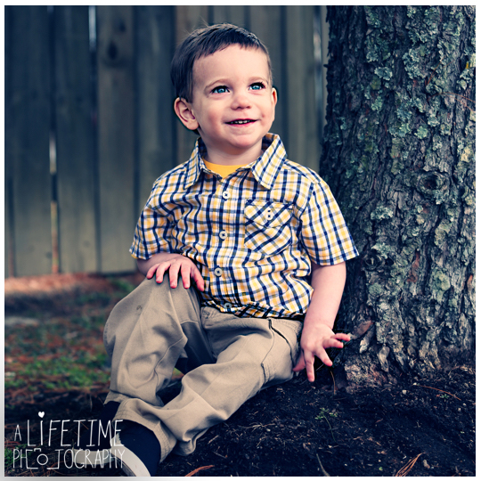 Alex-2 year old boy child photographer Sevierville Pigeon Forge Gatlinburg Knoxville Photography-7