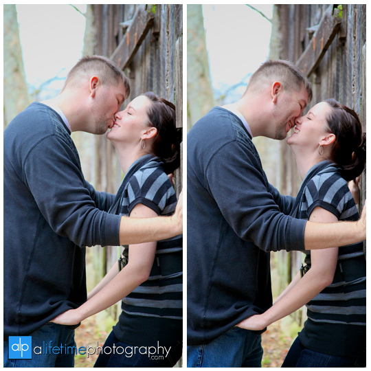 Anniversary-Session-Gatlinburg-TN-Emerts-Cove-Covered-Bridge-Pigeon-Forge-Couple-Photographer-Fall-Pittman-Center-Photography-11