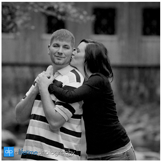 Anniversary-Session-Gatlinburg-TN-Emerts-Cove-Covered-Bridge-Pigeon-Forge-Couple-Photographer-Fall-Pittman-Center-Photography-2