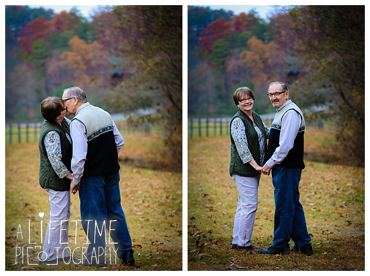 Bear Creek Crossing Cabins Family Photographer Gatlinburg Pigeon Forge Knoxville Sevierville Dandridge Seymour Smoky Mountains Townsend Photos Session   ...