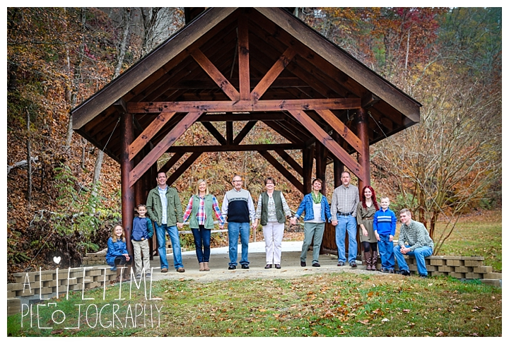 bear-creek-crossing-cabins-family-photographer-gatlinburg-pigeon-forge-knoxville-sevierville-dandridge-seymour-smoky-mountains-townsend-photos-session-professional_0071