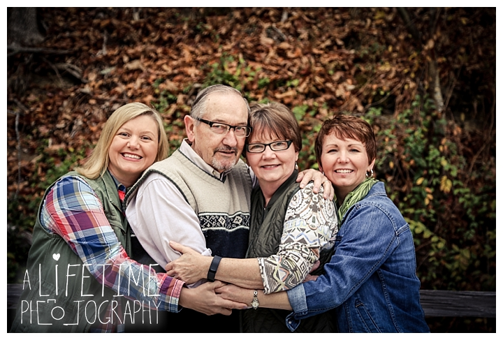 bear-creek-crossing-cabins-family-photographer-gatlinburg-pigeon-forge-knoxville-sevierville-dandridge-seymour-smoky-mountains-townsend-photos-session-professional_0075