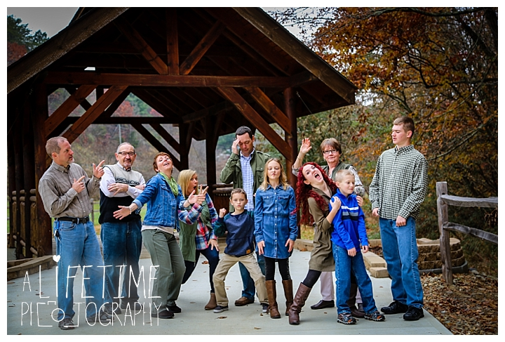 bear-creek-crossing-cabins-family-photographer-gatlinburg-pigeon-forge-knoxville-sevierville-dandridge-seymour-smoky-mountains-townsend-photos-session-professional_0077