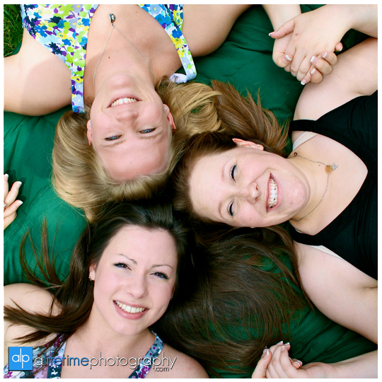 Best-Friends-Group-Photographer-sisters-Tipton-Haynes-Johnson-City-TN-Kingsport-Bristol-Tri-Cities-Country-Knoxville-Pigeon-Forge-Maryville-Seymour-Kodak-Clinton-Powell-Jonesborough-Fun-Photographer-Photography-Session-Pics-1