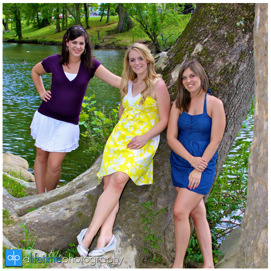 Best_Friends_Photography_Session_College_Sisters_Pictures_Photographer_Pigeon_Forge_Gatlinburg_TN_Pics
