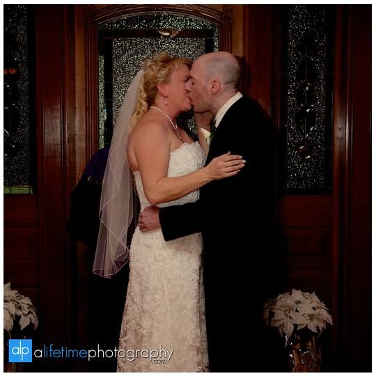 Bluff-View-Inn-Downtown-Chattanooga-Art-District-Wedding-Photographer-14
