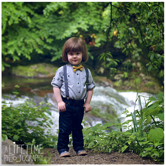 Cades-Cove-Family-Photographer-Kids-Gatlinburg-Smoky-Mountains-National-Park-Portraits-Session-Pigeon-Forge-Sevierville-Seymour-Knoxville-TN-3