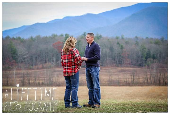 cades-cove-family-photographer-proposal-engagement-gatlinburg-pigeon-forge-knoxville-sevierville-dandridge-seymour-smoky-mountains-townsend-photos-session-professional-maryville_0146