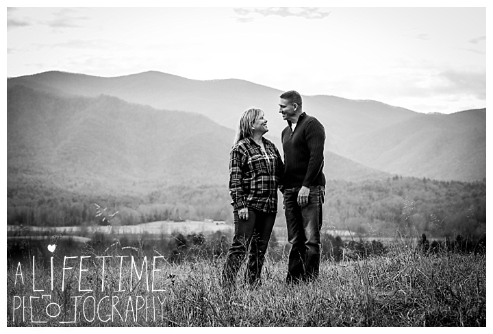 cades-cove-family-photographer-proposal-engagement-gatlinburg-pigeon-forge-knoxville-sevierville-dandridge-seymour-smoky-mountains-townsend-photos-session-professional-maryville_0152