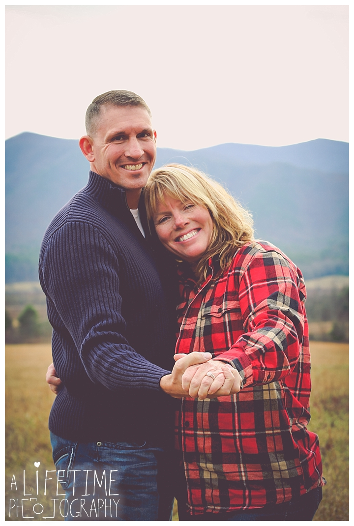 cades-cove-family-photographer-proposal-engagement-gatlinburg-pigeon-forge-knoxville-sevierville-dandridge-seymour-smoky-mountains-townsend-photos-session-professional-maryville_0153