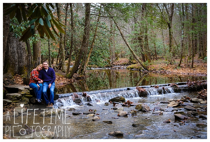 cades-cove-family-photographer-proposal-engagement-gatlinburg-pigeon-forge-knoxville-sevierville-dandridge-seymour-smoky-mountains-townsend-photos-session-professional-maryville_0155