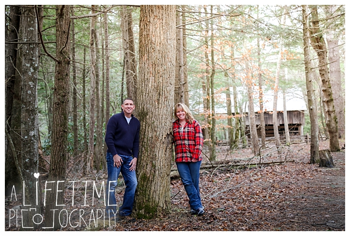 cades-cove-family-photographer-proposal-engagement-gatlinburg-pigeon-forge-knoxville-sevierville-dandridge-seymour-smoky-mountains-townsend-photos-session-professional-maryville_0157