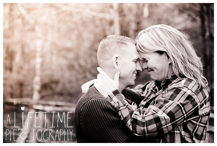 cades-cove-family-photographer-proposal-engagement-gatlinburg-pigeon-forge-knoxville-sevierville-dandridge-seymour-smoky-mountains-townsend-photos-session-professional-maryville_0162