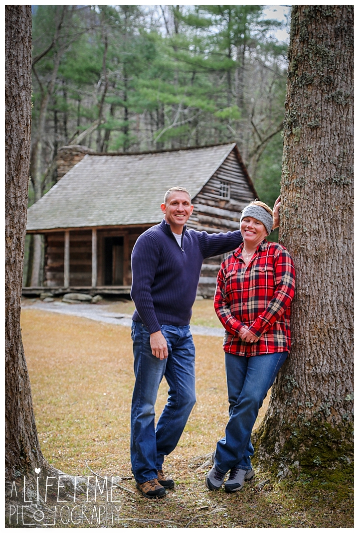 cades-cove-family-photographer-proposal-engagement-gatlinburg-pigeon-forge-knoxville-sevierville-dandridge-seymour-smoky-mountains-townsend-photos-session-professional-maryville_0164