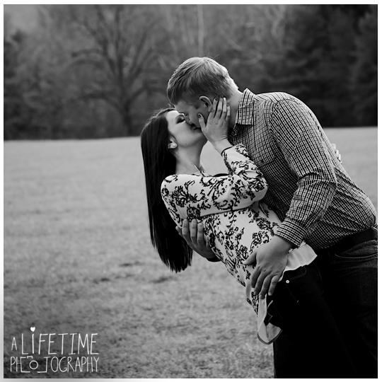Cades-Cove-Marriage-Wedding-Proposal-Photographer-couple-Townsend-Pigeon-Forge-Gatlinburg-Smoky-Mountains-engagement-10
