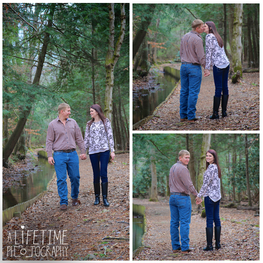Cades-Cove-Marriage-Wedding-Proposal-Photographer-couple-Townsend-Pigeon-Forge-Gatlinburg-Smoky-Mountains-engagement-9