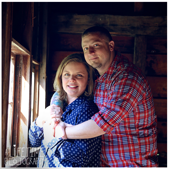 Cades-Cove-Marriage-proposal-Photographer-Gatlinburg-Pigeon-Forge-Knoxville-TN-Smoky-Mountains-River-11