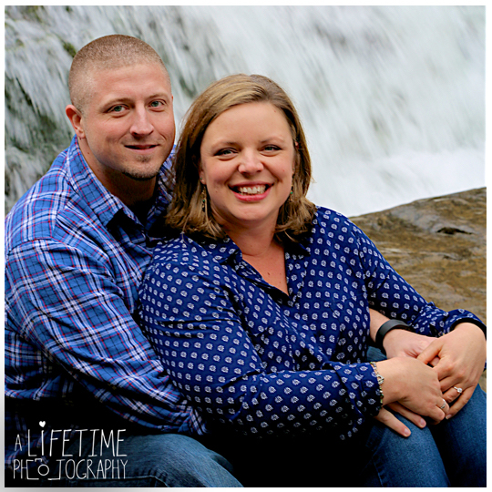 Cades-Cove-Marriage-proposal-Photographer-Gatlinburg-Pigeon-Forge-Knoxville-TN-Smoky-Mountains-River-6