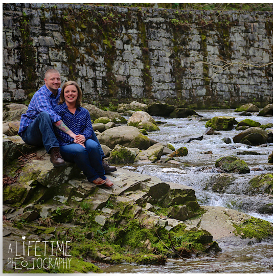 Cades-Cove-Marriage-proposal-Photographer-Gatlinburg-Pigeon-Forge-Knoxville-TN-Smoky-Mountains-River-7