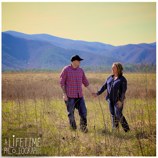 Cades-Cove-Marriage-proposal-Photographer-Gatlinburg-Pigeon-Forge-Knoxville-TN-Smoky-Mountains-River-8