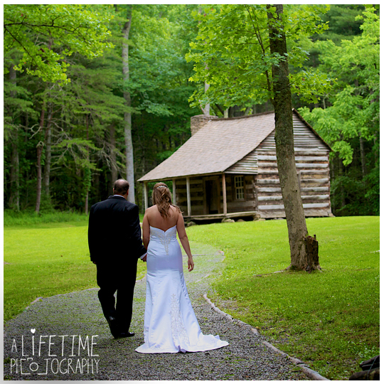 Cades-Cove-Photographer-Family-wedding-Townsend-TN-Smoky-Mountains-Pigeon-Forge-Gatlinburg-Sevierville-Knoxville-Pictures-photos-10