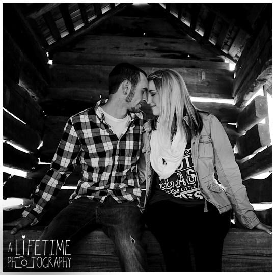 Cades-Cove-engagement-proposal-family-photographer-photos-shoot-session-Pigeon-Forge-Knoxville-Gatlinburg-Smoky-Mountains-10