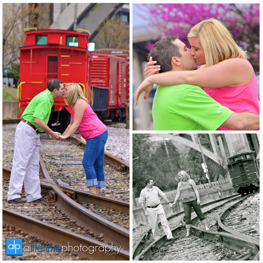 Calhouns_on_The_River_Train_Downtown_Knoxville_Market_Square_UT_Gardens_Engagement_Engaged_Wedding_photographer_couple_Photography_session