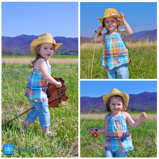 Child_Kids_Children_Little_Girl_Country_Mountain_View_Open_Field_Photographer_Photography_photos_Pictures_mini_Session_portraits_Family_Ideas_telford_Limestone_Jonesborough_Johnson_City_Kingsport_bristol_TN_Tri_Cities_Greenville