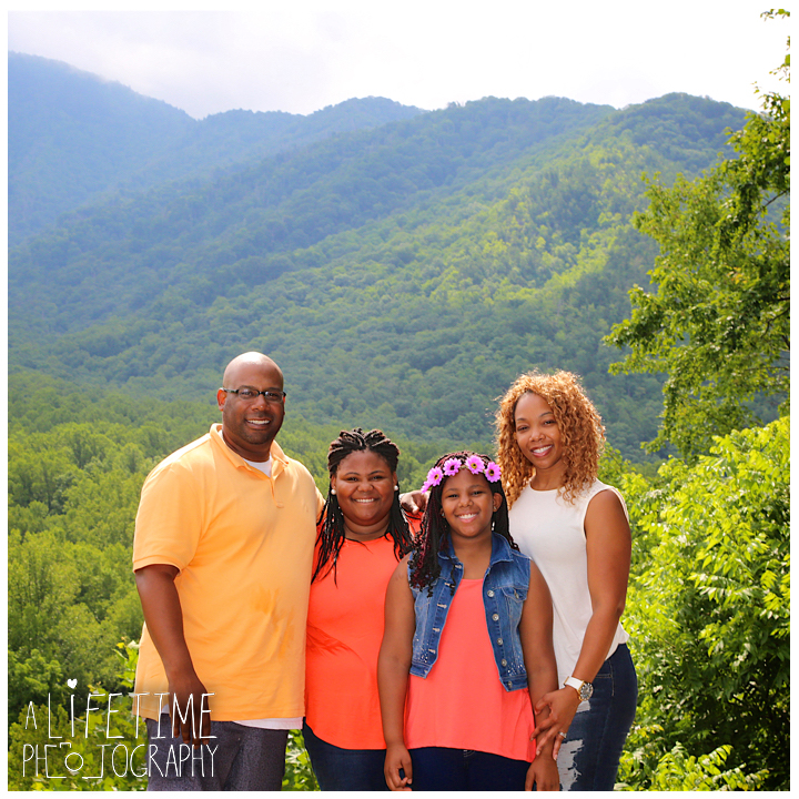 Chimney-Tops-Picnic-Area-Family-Photographer-Greenbriar-Smoky-Mountains-National-Park-Gatlinburg-Pigeon-Forge-Knoxville-12