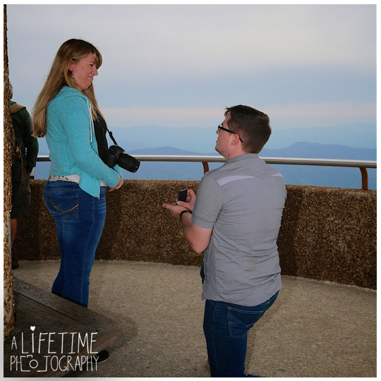 Clingmans-dome-marriage-proposal-secret-photographer-engagement-gatlinburg-tn-Smoky-Mountains-Chimney-tops-picnic-area-Pigeon-Forge-Tennessee-Sevierville-Knoxville-5