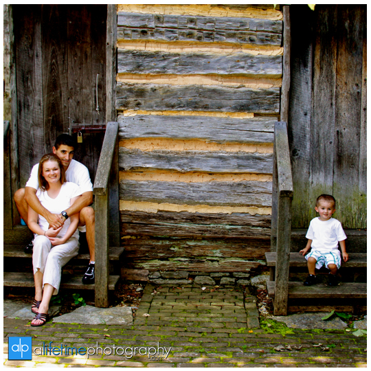 Downtown-Jonesborough-TN_Family_Photographer-Johnson-City-Kingsport-Bristol-Tri-Cities-Kids-Children-Toddler-Baby_6