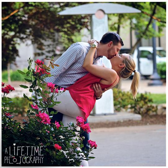 Downtown-Knoxville-Market-Square-UT-proposal-secret-photographer-Seymour-engagement-10