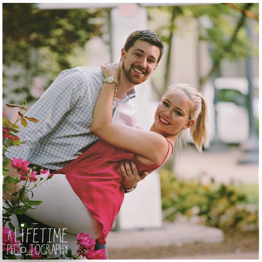 Downtown-Knoxville-Market-Square-UT-proposal-secret-photographer-Seymour-engagement-11