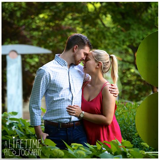 Downtown-Knoxville-Market-Square-UT-proposal-secret-photographer-Seymour-engagement-13