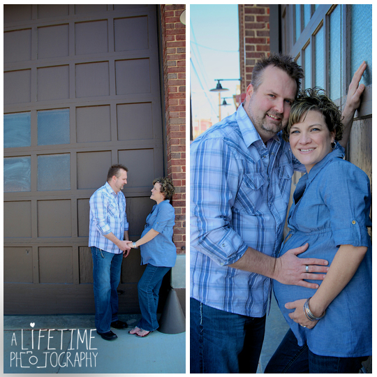 Downtown-Knoxville-Maternity-Photographer-market-square-family-photography-urban-setting-expecting-mother-pregnancy-pictures-maryville-Seymour-Sevierville-Pigeon-Forge-Gatlinburg-Clinton-Powell-11