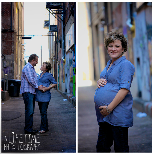 Downtown-Knoxville-Maternity-Photographer-market-square-family-photography-urban-setting-expecting-mother-pregnancy-pictures-maryville-Seymour-Sevierville-Pigeon-Forge-Gatlinburg-Clinton-Powell-16