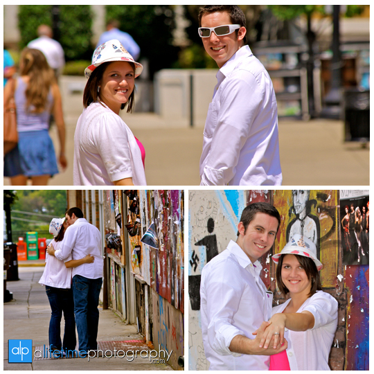 Downtown_Knoxville_Market_Square-Engagement_photographer_ideas_photography_Session