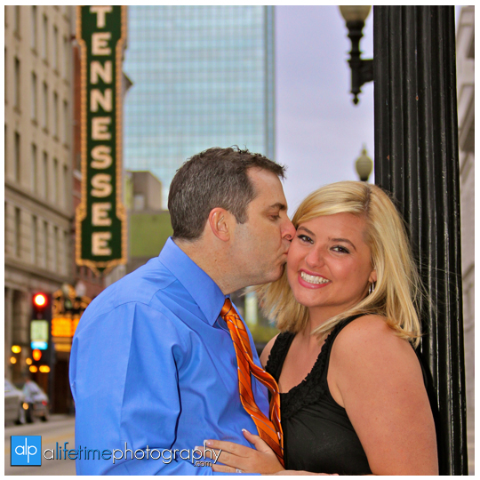 Downtown_Market_Square_Knoxville_Engaged_Engagement_Couple_Wedding_Photographer_Photography