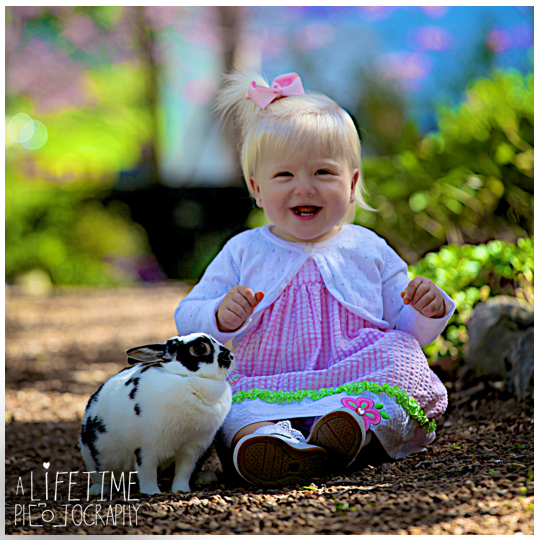 Easter-Bunny-Pictures-kids-Knoxville-TN-Photographer-Botanical-Gardens-Spring-Photography-rabbit-Maryville-Seymour-Sevierville-Pigeon-Forge-Gatlinburg-TN-Townsend-Clinton-Powell-5