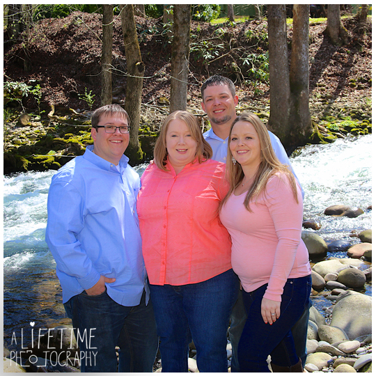 Emerts-Cove-Covered-Bridge-Family-Photographer-Smoky-Mountains-TN-Gatlinburg-Pigeon-Forge-Knoxville-TN-10