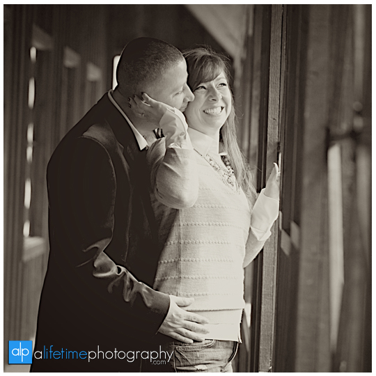 Emerts-Cove-Covered-Bridge-Gatlinburg-Pittman-Center-Sevierville-Pigeon-Forge-Anniversary-Pictures-cancer-livestrong-couple-Photographer-4