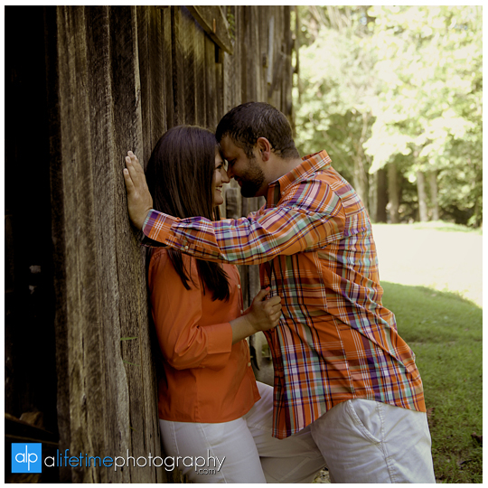 Emerts Cove Engagement Session Photographer Gatlinburg Tn Pittman Center Sevierville Pigeon Forge engaged couple-14