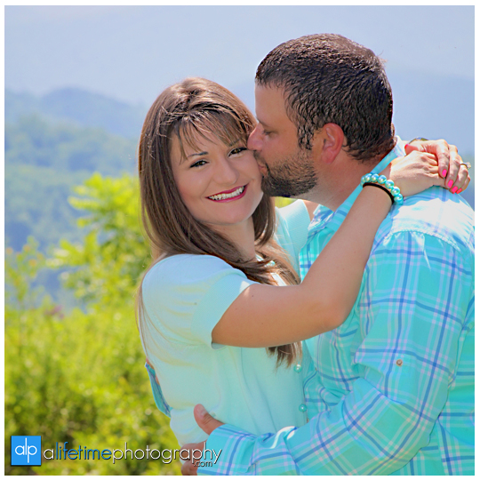 Emerts Cove Engagement Session Photographer Gatlinburg Tn Pittman Center Sevierville Pigeon Forge engaged couple-2