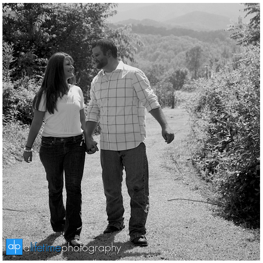 Emerts Cove Engagement Session Photographer Gatlinburg Tn Pittman Center Sevierville Pigeon Forge engaged couple-5