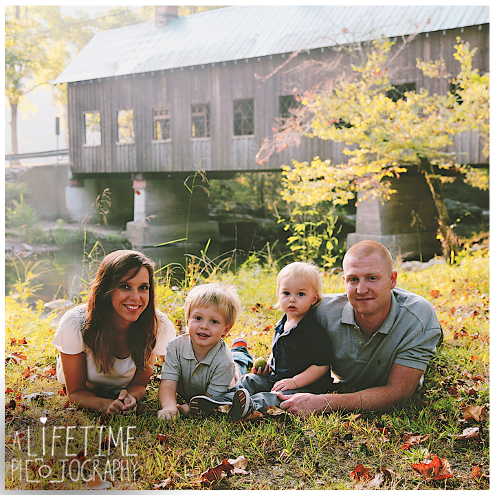 Emerts-Cove-Family-Photographer-Smoky-Mountains-Gatlinburg-Pigeon-Forge-Knoxville-Session-Pictures-kids-portraits-11