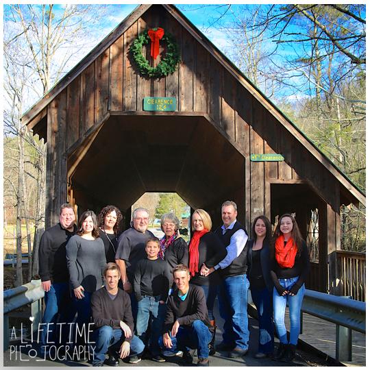 Emerts-Cove-Large-Family-Photographer-Pittman-Center-Gatlinburg-Pigeon-Forge-Sevierville-Smoky-Mountains-Christmas-photos-1
