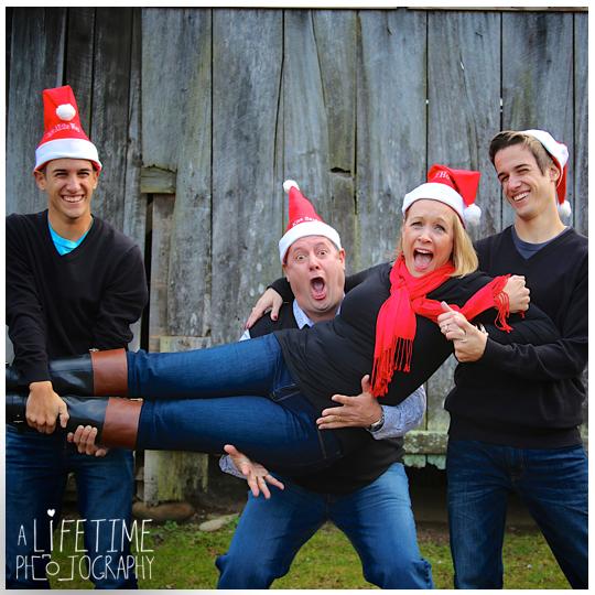Emerts-Cove-Large-Family-Photographer-Pittman-Center-Gatlinburg-Pigeon-Forge-Sevierville-Smoky-Mountains-Christmas-photos-17